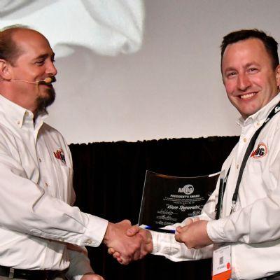 Hoppe, Anewenter Receive Prestigious AMUG President's Award